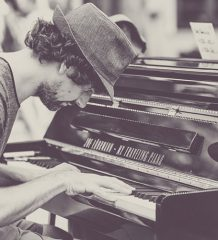 Header_TravelingPiano
