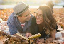Vorlesen aus einem Buch