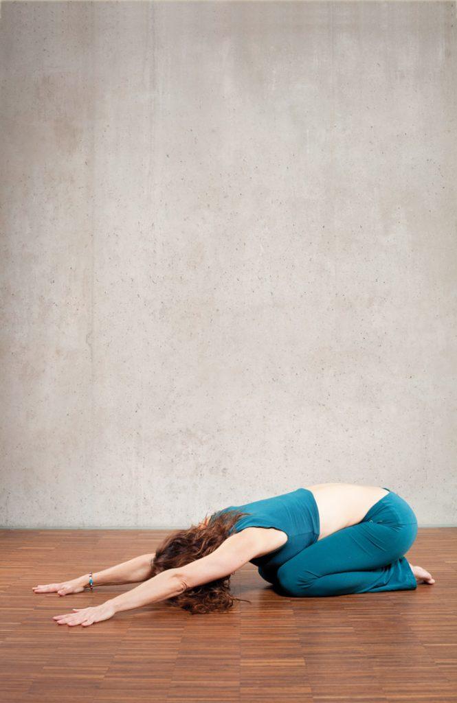 3. Balasana (Kind-Position)