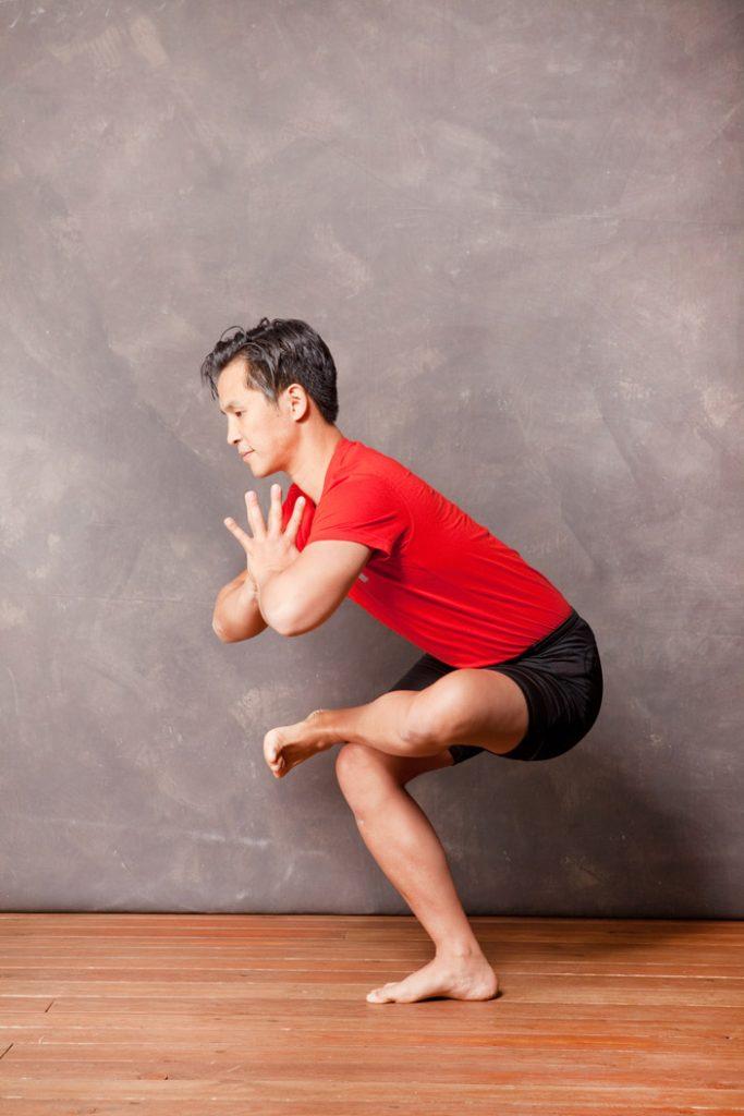 10. Sprungelenk auf Oberschenkel legen