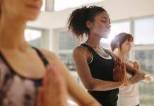 Yogaschüler in der Stunde