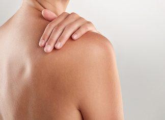 Schulter einer Frau