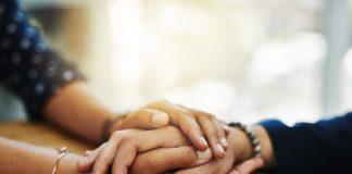 Hand halten aus Mitgefühl