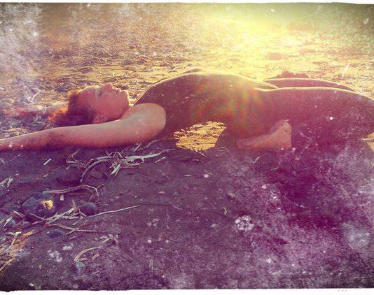 Yogalehrerin und Autorin Nives